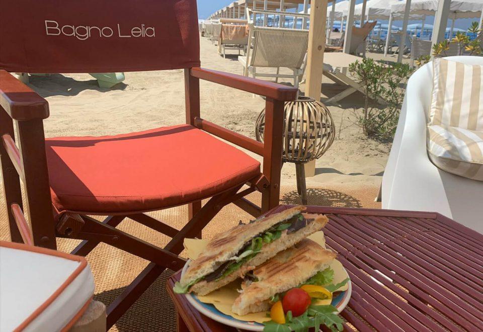 pranzo in spiaggia viareggio (2)